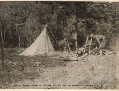 A packable classic camp.  Kephart's tent is most likely ballon silk (Egyptian cotton).  (Photo: Hunter Library, Western Carolina University, Cullowhee, NC)