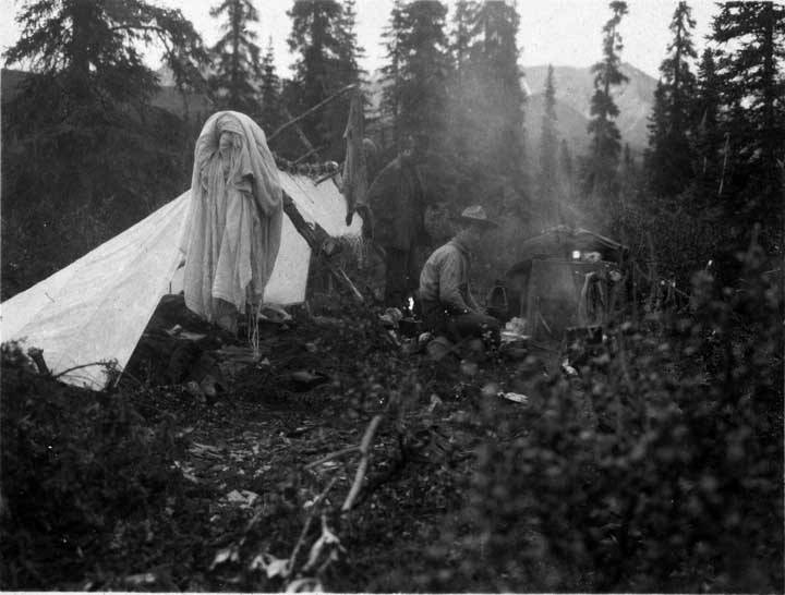 Sheldon's lean-to tarp shelter with separate awning, 1906, photo courtesy of Shelburne Museum, Shelburne, Vermont