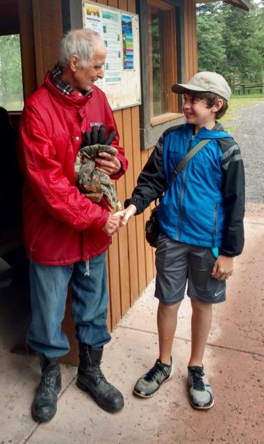 Duncan getting acquainted with Tom Roycraft (Mors' own guru).